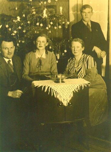 Historic_Christmas_Tree2